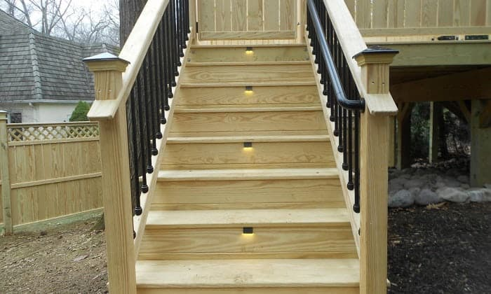 solar-deck-steps-lighting