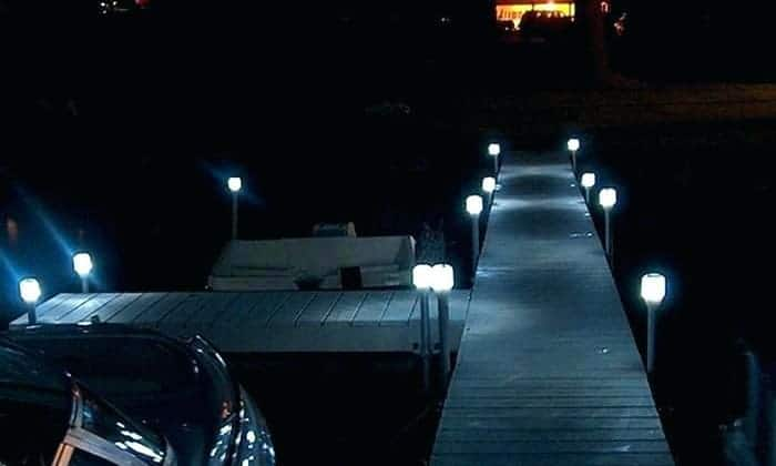 solar-power-dock-lights
