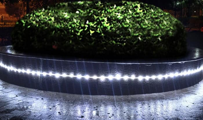 solar-powered-led-rope-lights