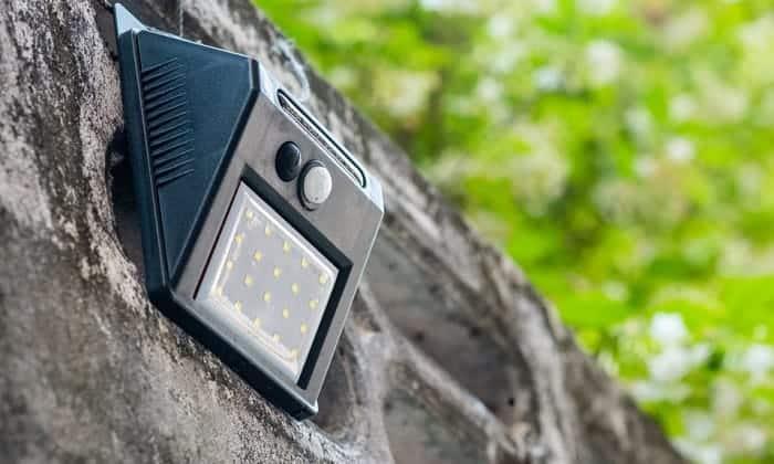 best-outdoor-solar-wall-lights