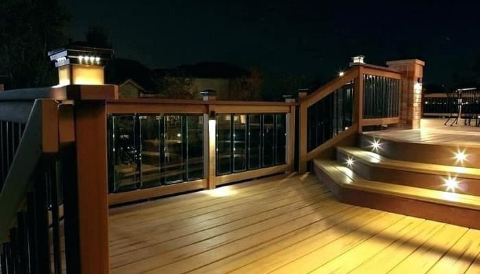 outdoor-solar-deck-lights