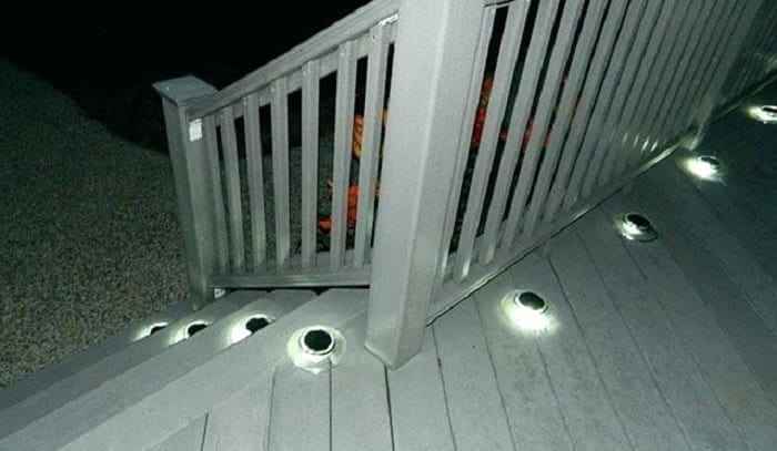 solar-deck-step-lights