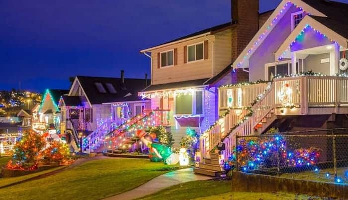 solar-outdoor-christmas-lighting