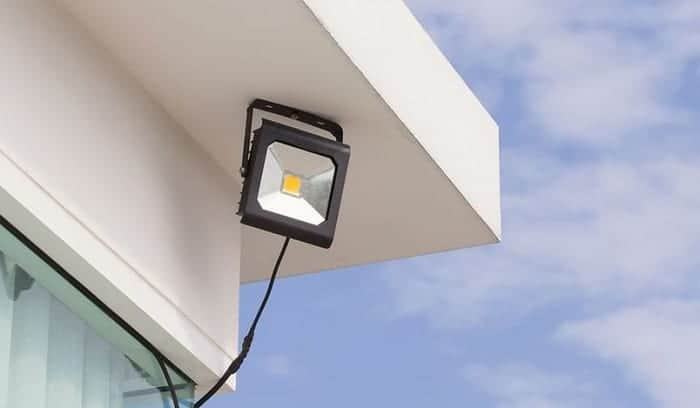 solar-powered-flood-lights