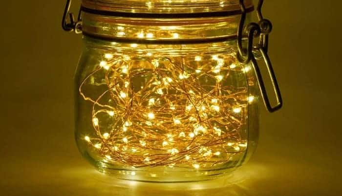 solar-powered-outdoor-string-lights