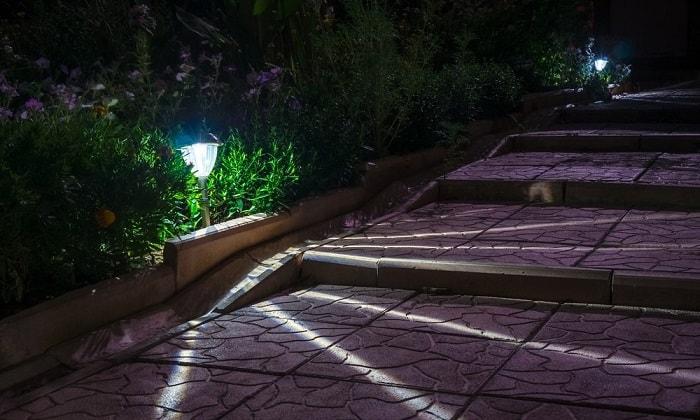 best-solar-walkway-lights