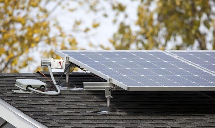 How-many-watts-does-a-300W-solar-panel-produce