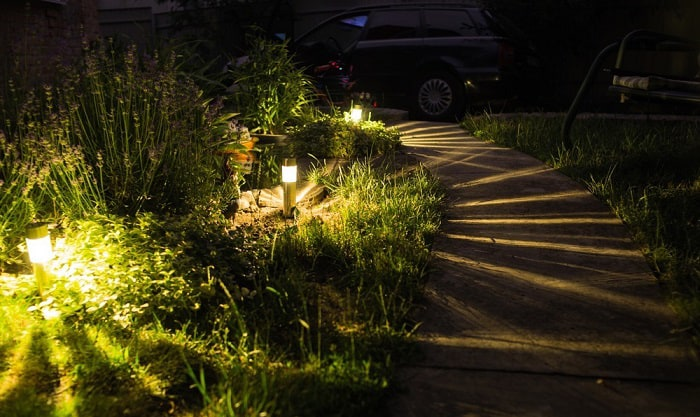cleaning-solar-lights