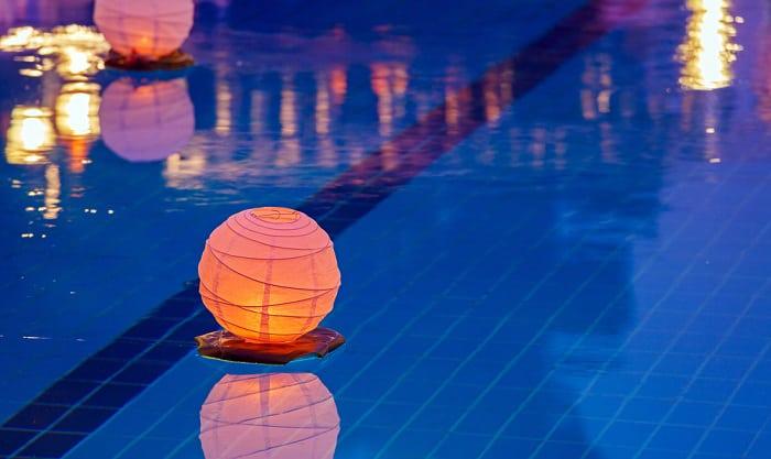 floating-light-for-pool
