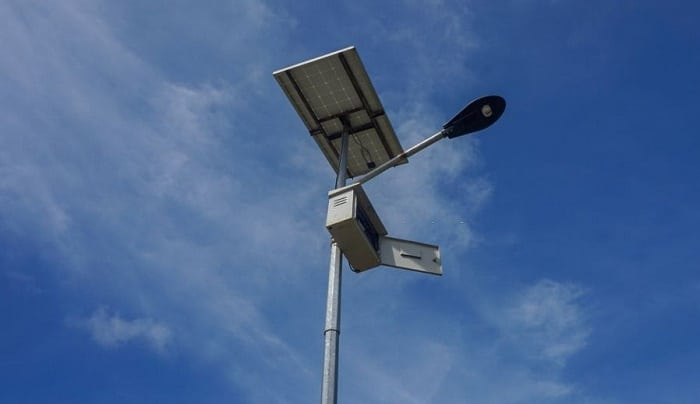 solar-lights-charge-on-cloudy-days