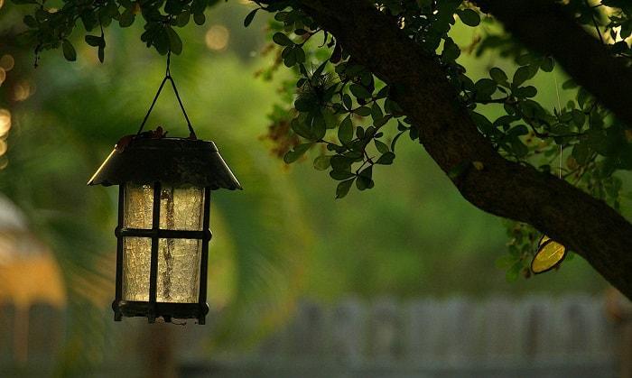 hanging-solar-lanterns-for-garden